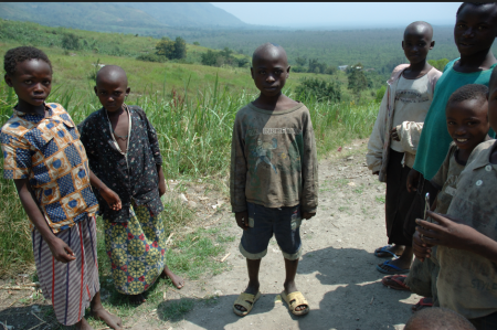 hutu children.png